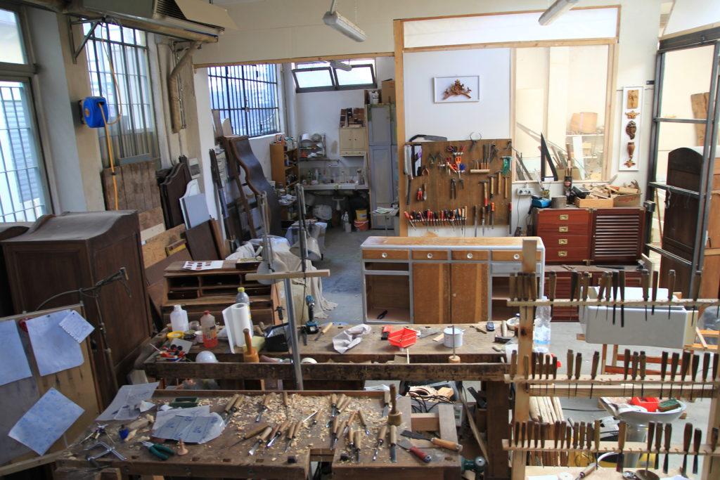 Contatti:  ecco la nostra sede in Via Rosazza 11 a Torino dove ci occupiamo del restauro di mobili, statue e molto altro.